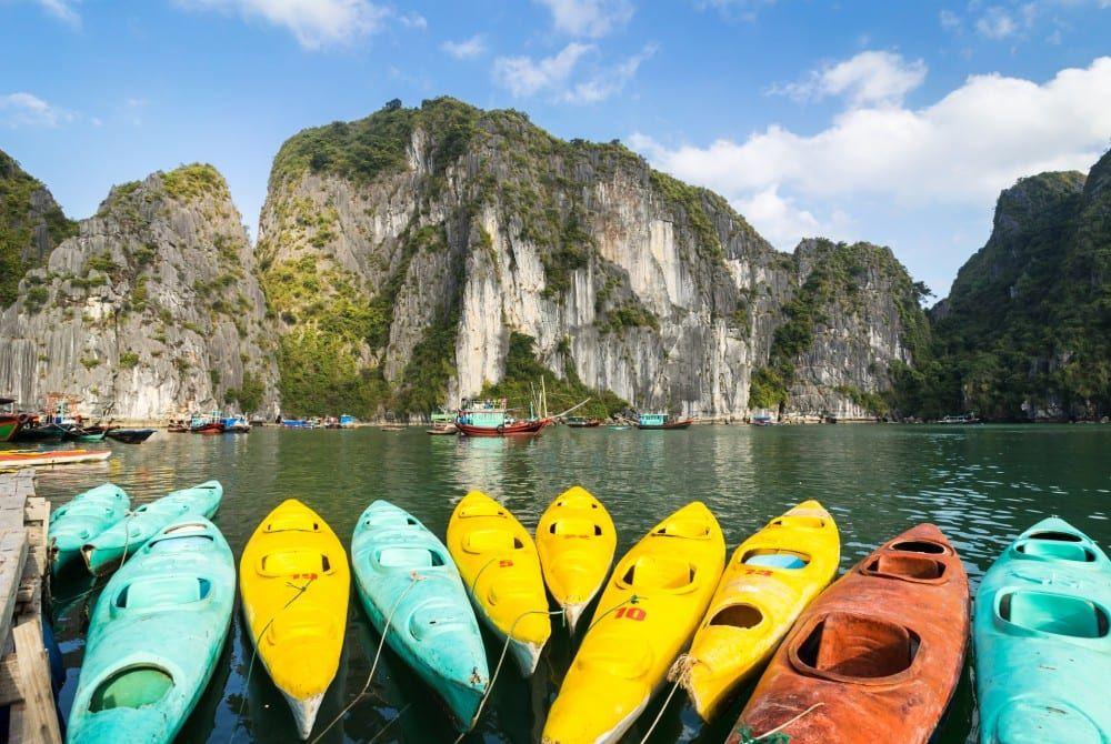Kayakken bij Ha Long Bay