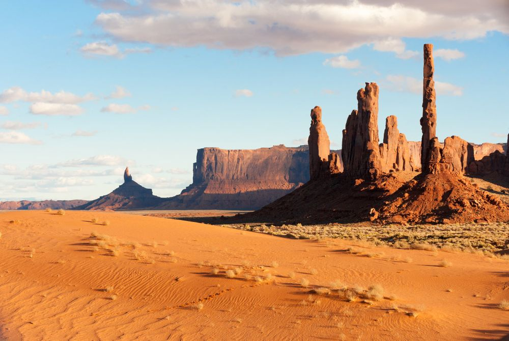 Monument Valley, Three sisters