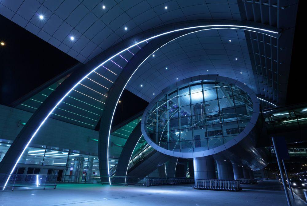 Nieuw mega-vliegveld geopend in Dubai