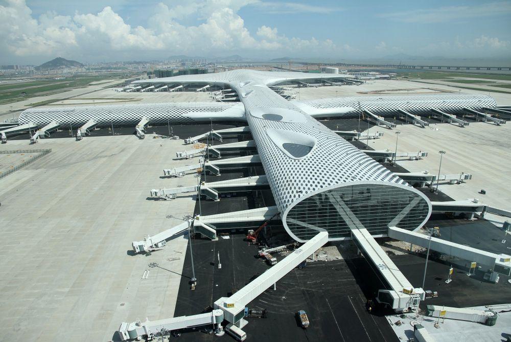 China opent futuristische luchthaven in Shenzhen