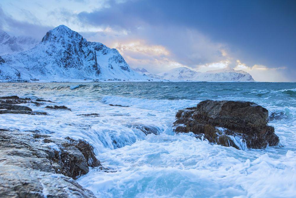 VIDEO: Surfen in de Noordpoolcirkel