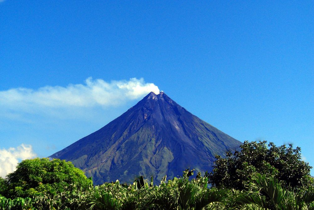 De perfecte kegel-vormige vulkaan: Mount Mayon