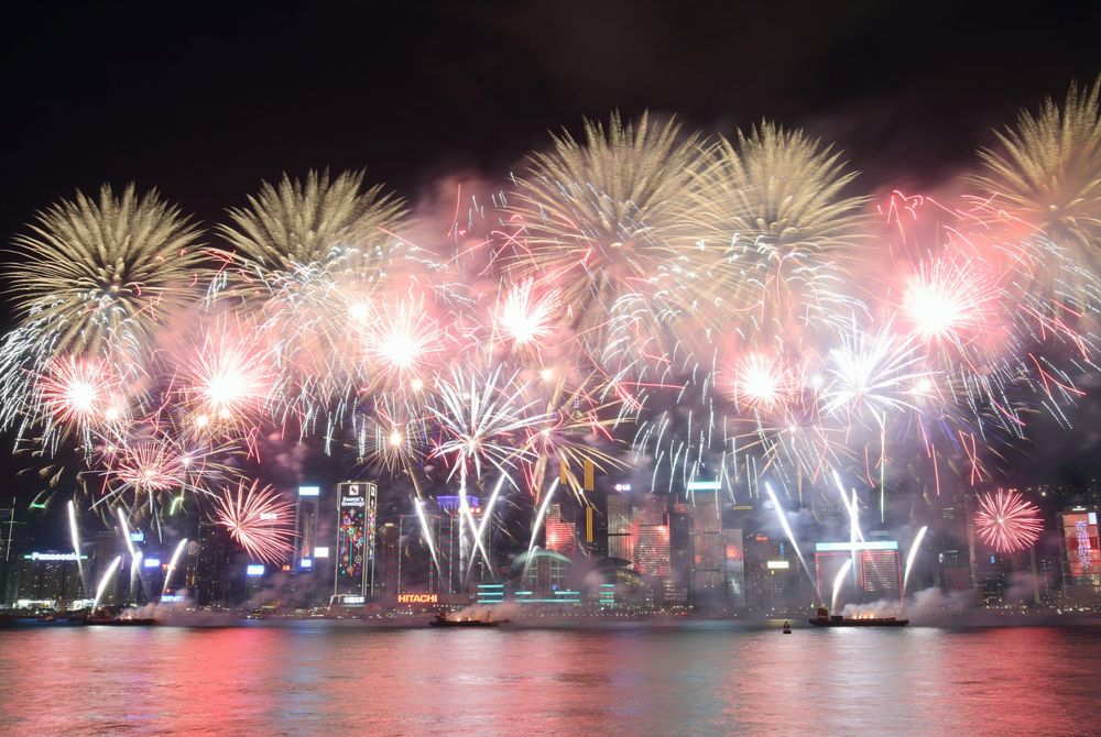 VIDEO: Spectaculaire vuurwerk show in Hong Kong gefilmd met een drone