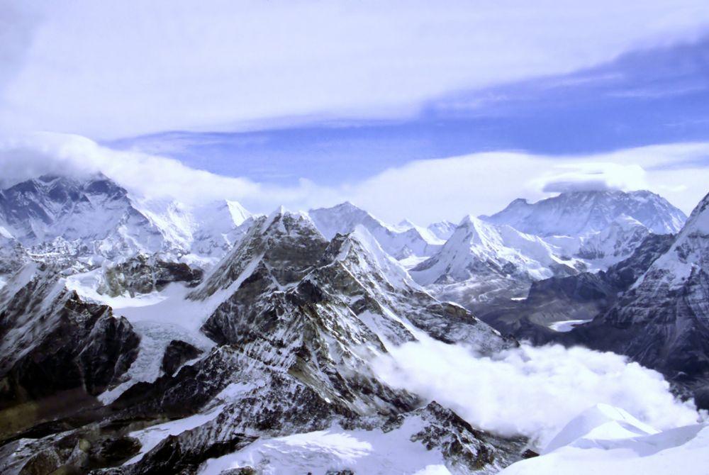 VIDEO: De Himalaya vanuit de lucht