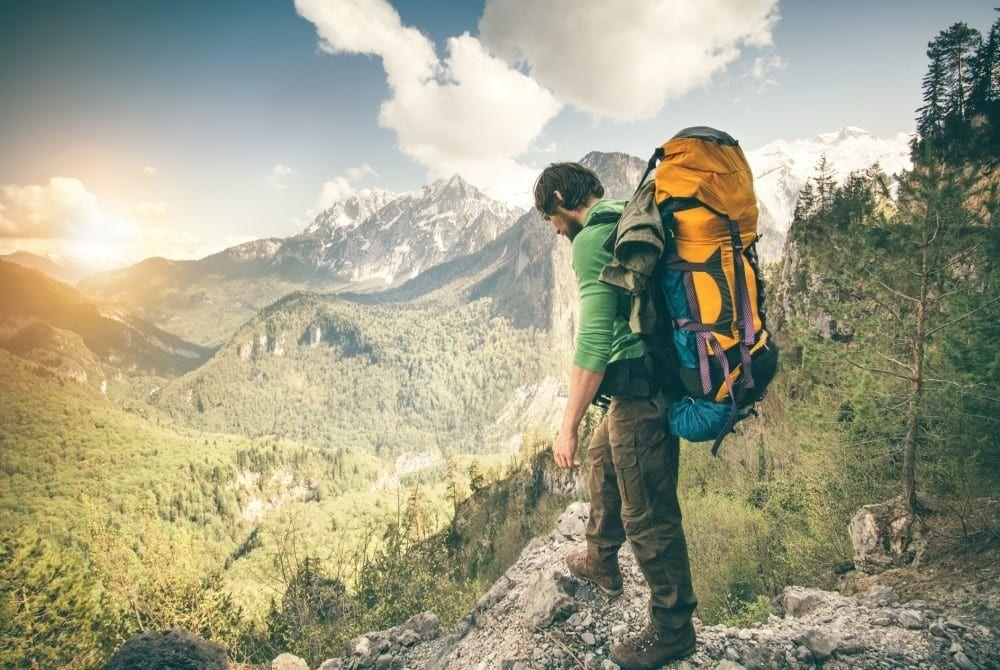 Dé inpaklijst checklist: 19 essentiële dingen voor in je backpack
