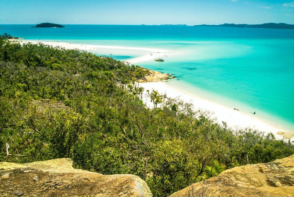 Mooie stranden ver weg en dichtbij