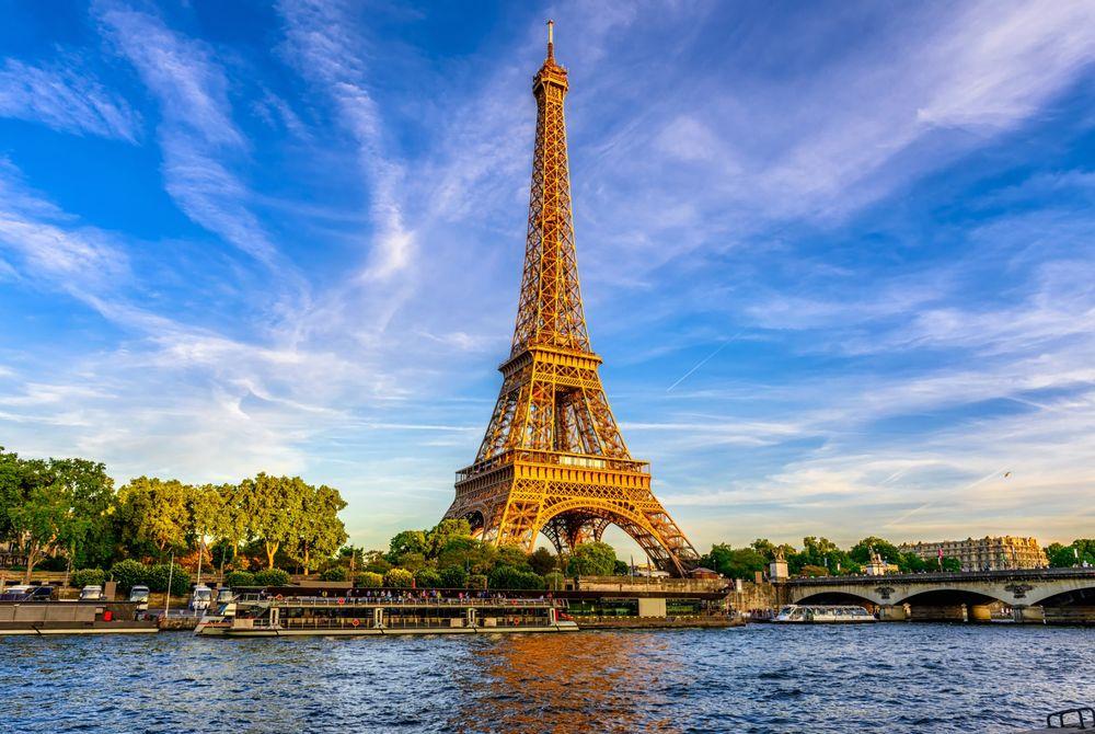Eiffeltoren weer open